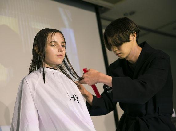 🌟魅せる美容師🌟エザキヨシタカさんが来校!!